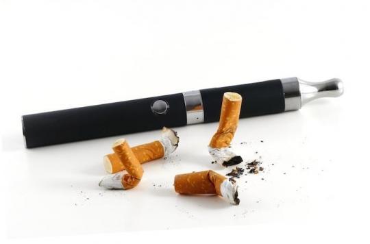 Aux Etats-Unis, les politiques de lutte anti-tabac font baisser le nombre de fumeurs et de vapoteurs
