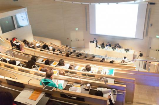 Question sexiste à un QCM de médecine : Marisol Touraine réagit