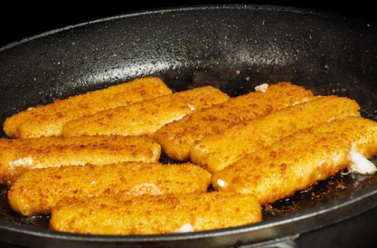 Poissons panés : riches en sel, pauvres en poisson