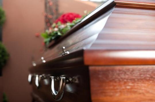 VIH, hépatites virales: les soins funéraires enfin autorisés