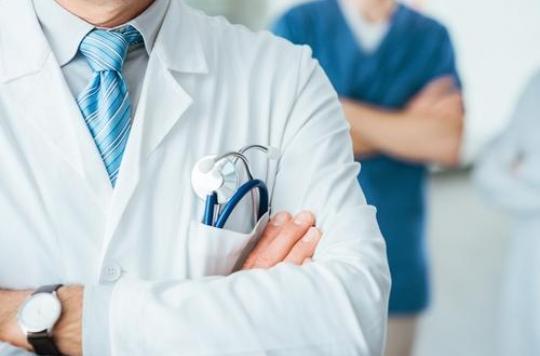 Les médecins appellent à faire barrage contre Marine Le Pen