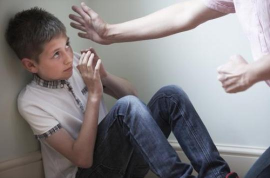 Maison de l'horreur en Californie: le summum de la violence faite aux enfants qui commence souvent par la fessée encore trop pratiquée en France.