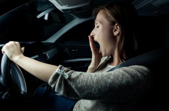 Sommeil : les nuits courtes doublent le risque d'accident au volant
