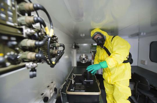 Bioterrorisme : pourquoi la biologie synthétique inquiète