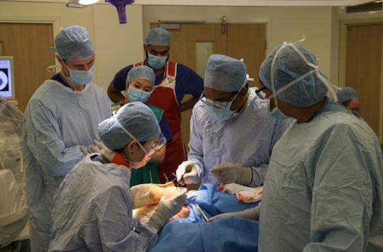 Un toucher vaginal sur cinq à l'hôpital est  réalisé sans consentement