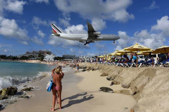 Zika : le virus plombe le tourisme aux Antilles