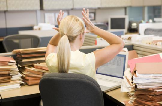 Les femmes qui travaillent trop s'exposent à des maladies graves