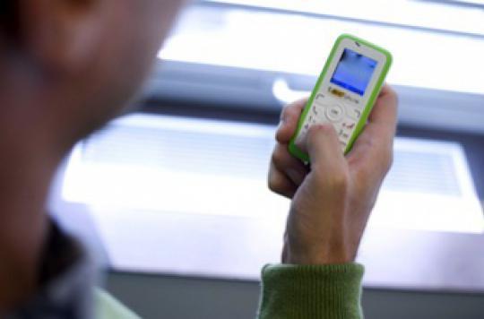 Les textos compulsifs nuisent aux performances scolaires