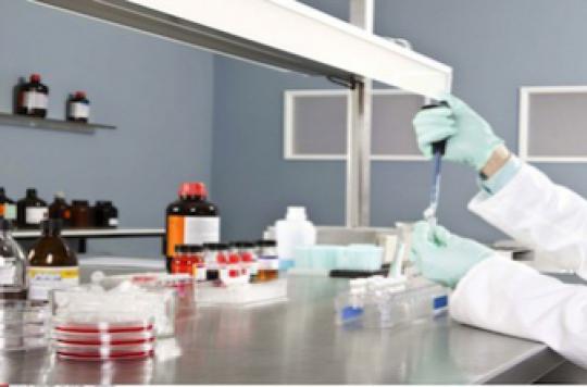 Virus dangereux : Manuel Valls inaugure l'extension du laboratoire P4