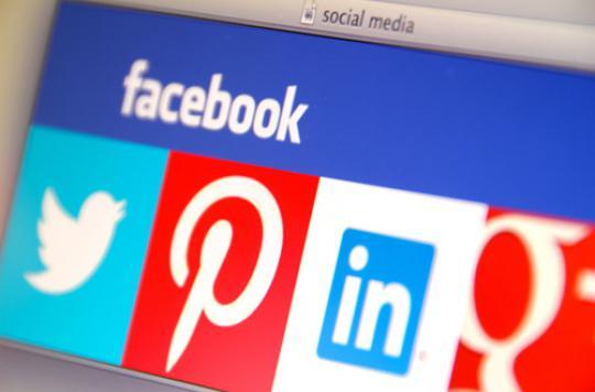 Secours : Facebook lance une fonction d'entre-aide