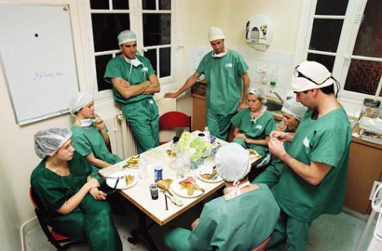 Repos de sécurité : le gouvernement rassure les internes en médecine