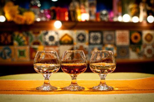 Les Alcooliques Anonymes trinquent pour fêter leurs 55 ans