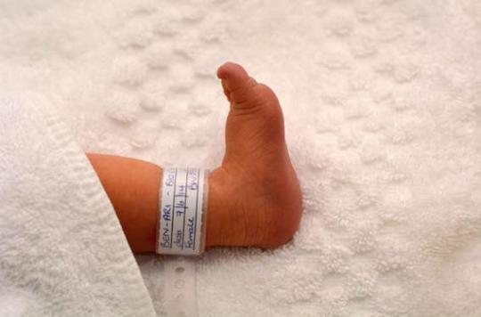 Mort subite du nourrisson : l'emmaillotage est un facteur de risque majeur