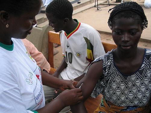 Fièvre jaune : 15 millions de personnes à vacciner en Angola et RDC
