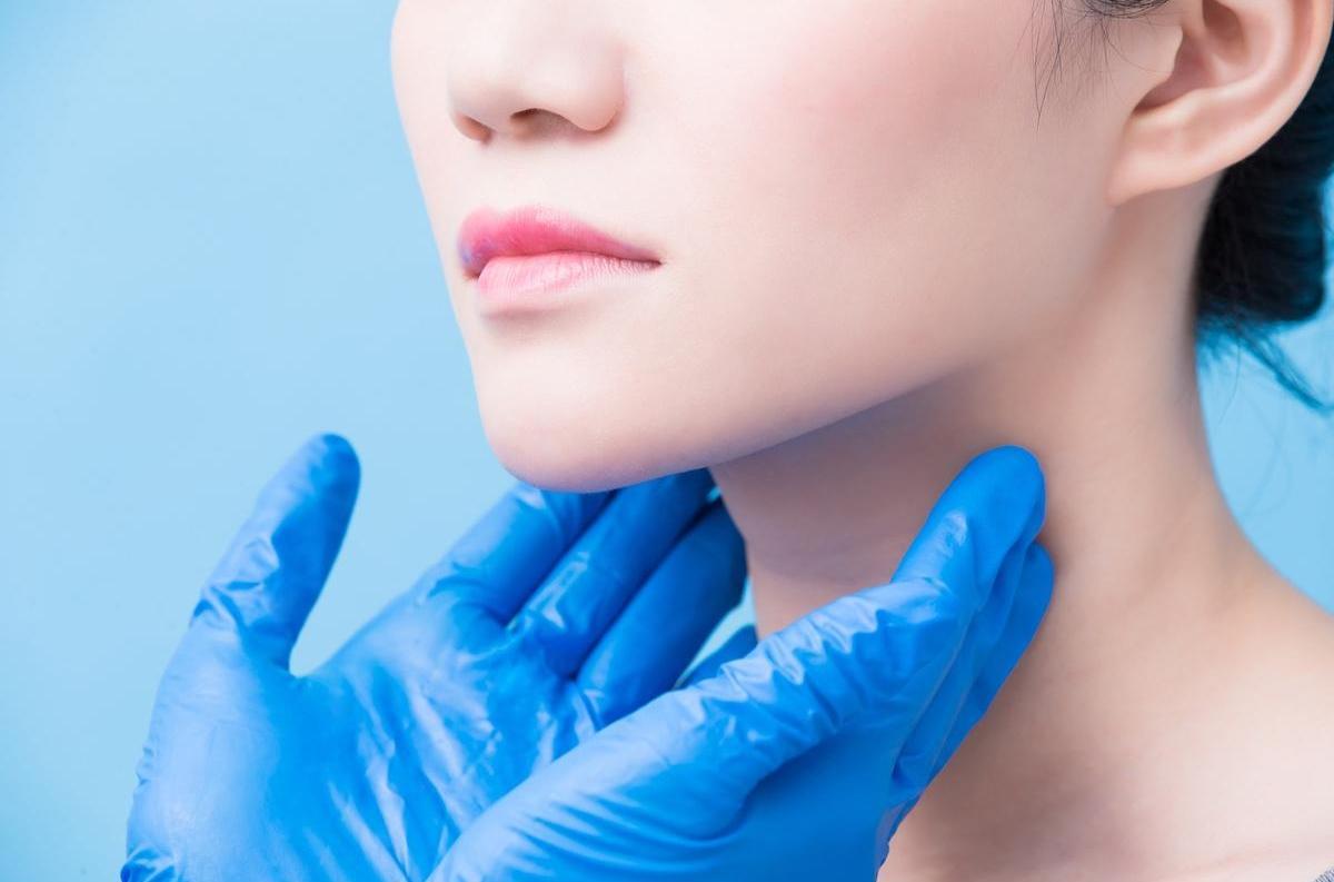 Cancer de la thyroïde : prédominance chez les femmes jeunes ...