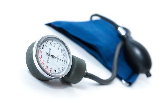 Hypertension artérielle: une maladie silencieuse à risque pour le cœur et les artères