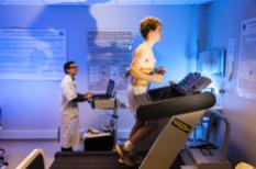 Insuffisance cardiaque : un essoufflement et des œdèmes des jambes