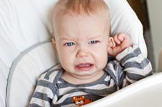 Otite aiguë de l'enfant : l'antibiothérapie n'est pas systématique