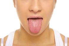 Bouche sèche : la xérostomie mauvaise pour l'état dentaire et la digestion