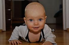 Fesses rouges du nourrisson : prévenir d'emblée les complications de l'érythème fessier