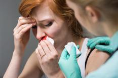 Saignement de nez : l'épistaxis est souvent bénigne